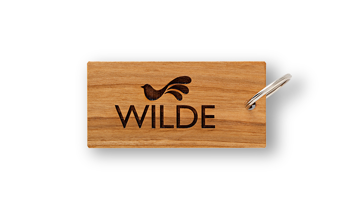 Keyring made of cherry wood