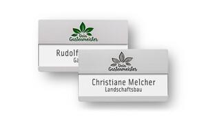Namensschilder mit Gravur: für Namen mit Zusatzzeile & große Logos