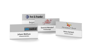 Name badges for names with an additional line
