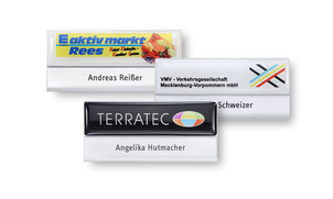 Name badges with domed 3D-stickers