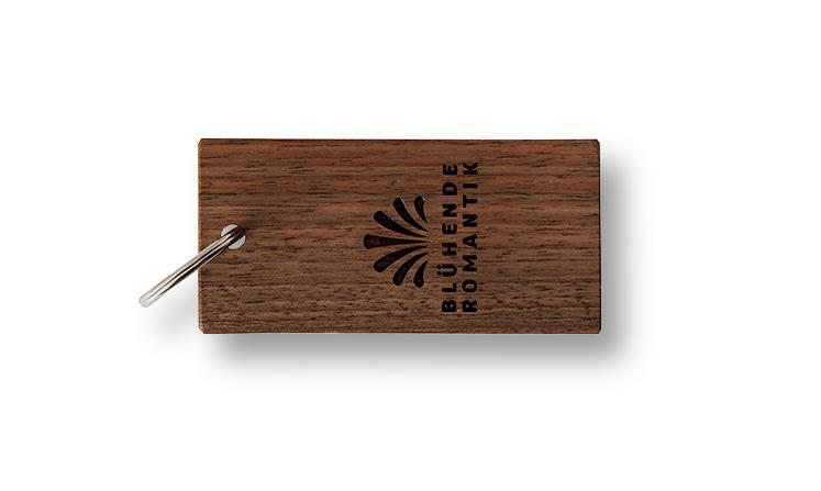 Schlüsselanhänger aus Nussbaum
